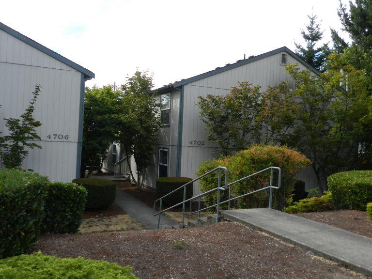 1 4702 S Warner #B, Tacoma, WA 98409