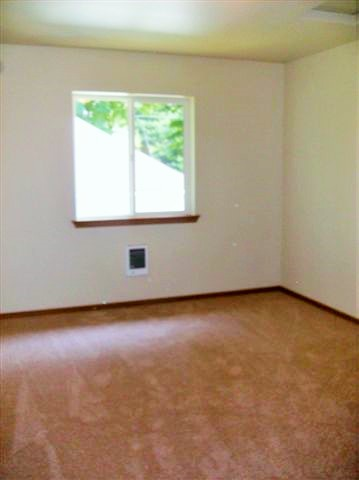 6 03412 S 47th Exterior & interior 008