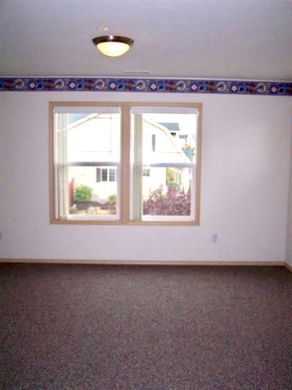 8 01596 Packwood kids room2