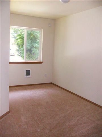 8 03412 S 47th Exterior & interior 009