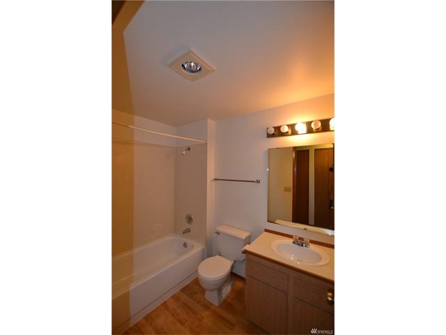 1115 10 Bathroom 2