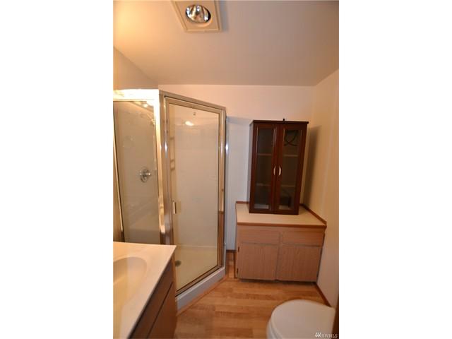 1115 8 Bathroom