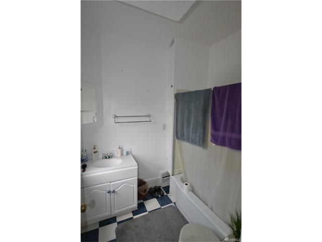 1312 10 Bathroom 2