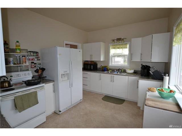 1312 11 Kitchen