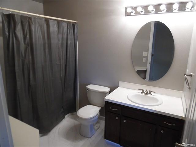 4920 18 Master Bathroom