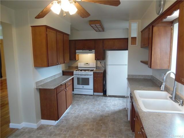 4920 7 Kitchen 2