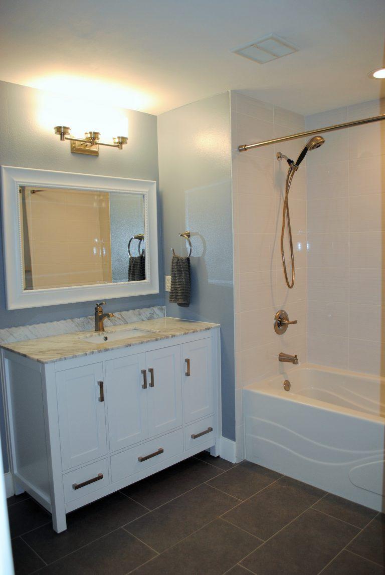 8 Guest Bathroom