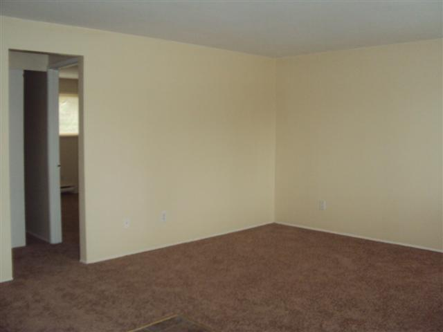4 14406 Pacific Ave #11 living room (Small)