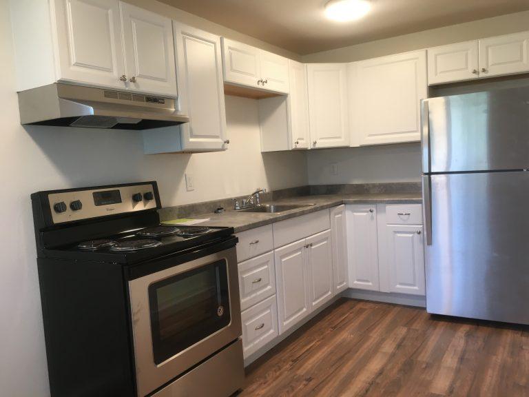 14424 Union Ave SW & Kitchen Photos