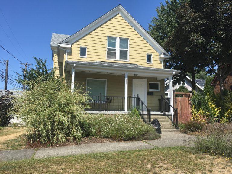 1-609 S. 40th St. #A (Lower) Tacoma, WA 98418